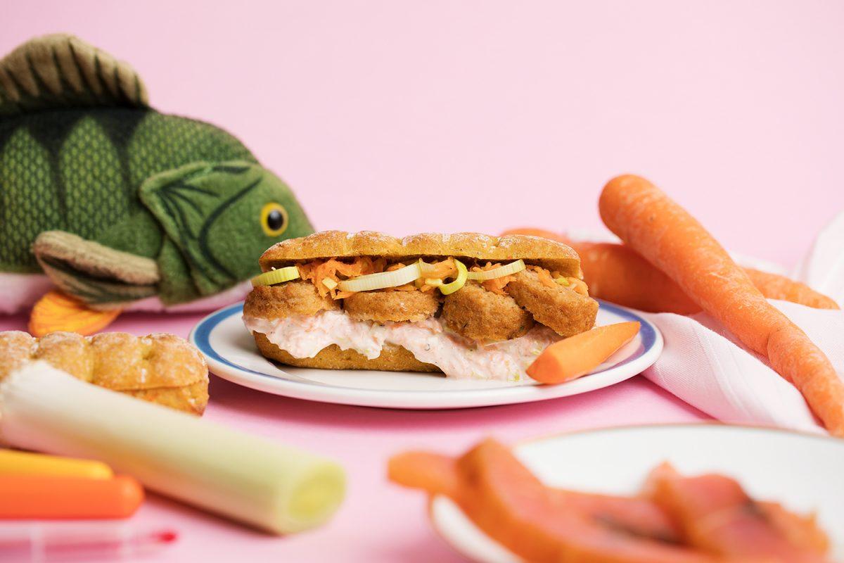 Näin saat lapsesi syömään enemmän kasviksia! – Lohikeitto ui leivän väliin
