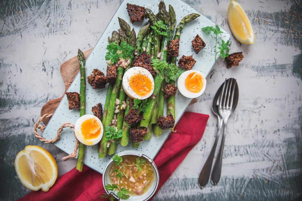 Parsaa, broccoliinia ja varsikukkakaalia – pääsiäisen herkullisimmat reseptit