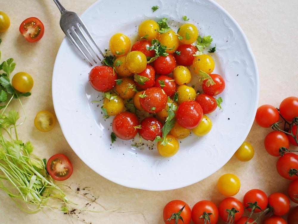 Tankkaa A-, B- ja C-vitamiinit ABC:n uudistetusta salaattipöydästä